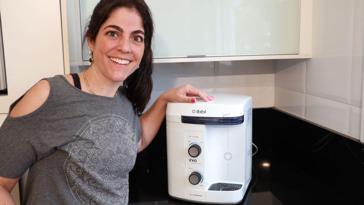 Patrícia Hopf revela usar água purificada para cozinhar